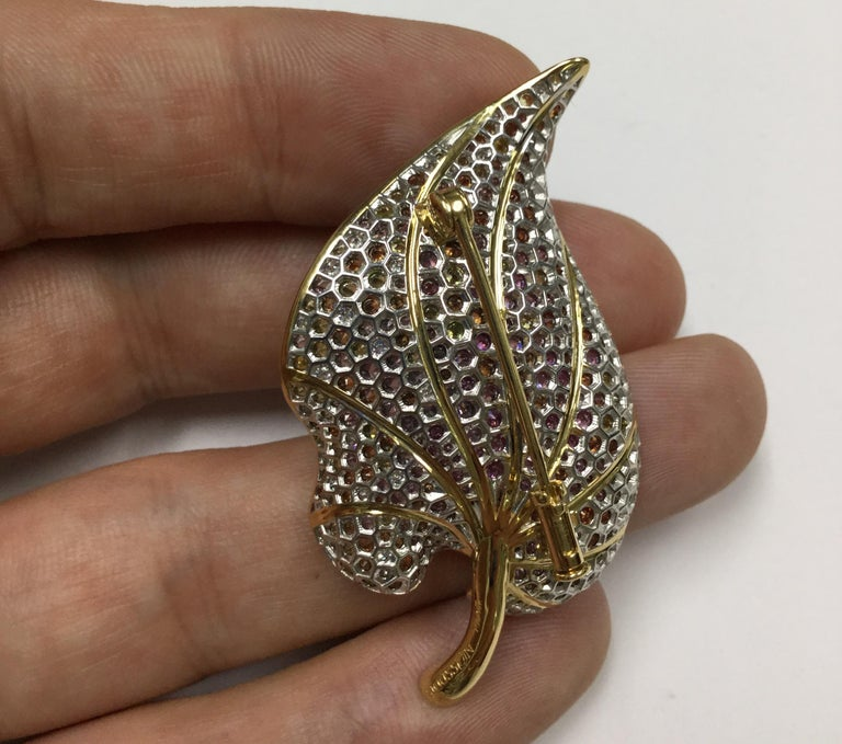 18 Karat Yellow Gold Diamond Sapphire Tsavorite Frog on the Leaf Brooch For Sale 3