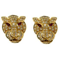 18 karat Yellow Gold Diamonds Cougar Earrings