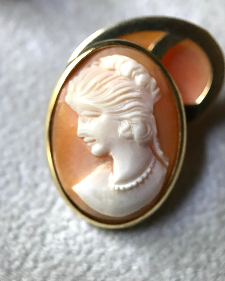 18 Karat Yellow Gold Double Cameo Cufflinks For Sale 1