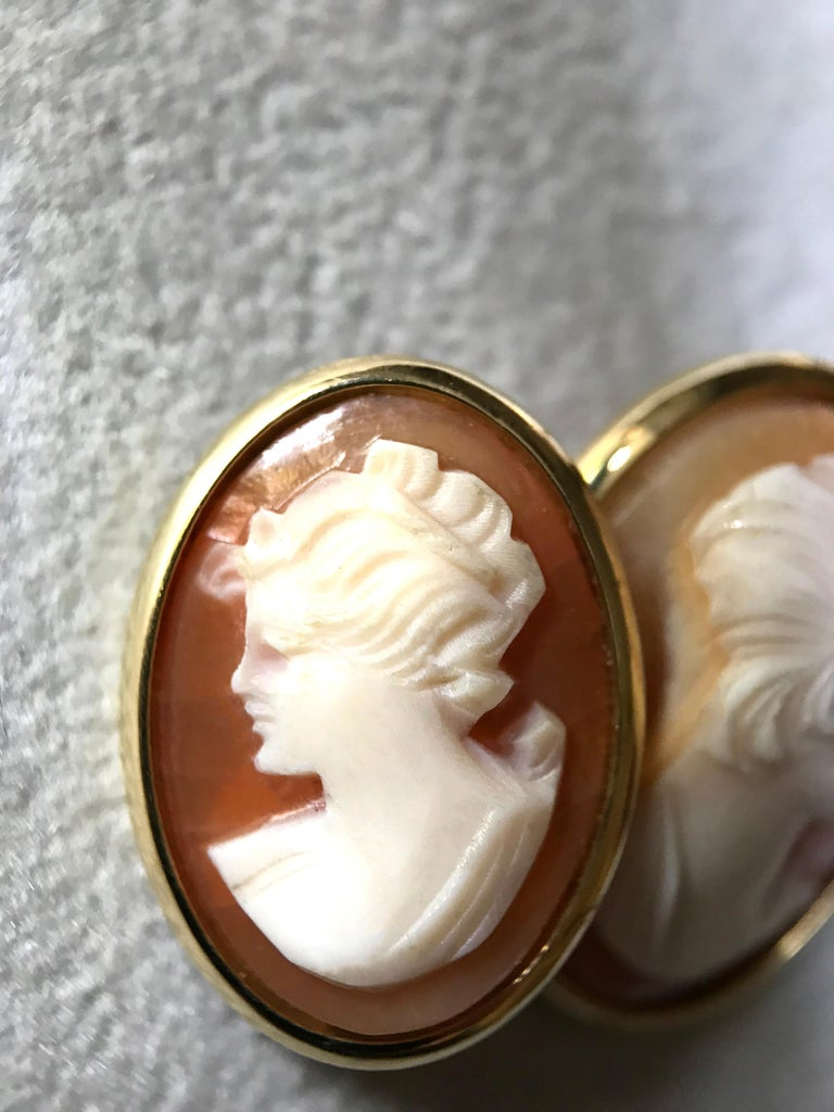 18 Karat Yellow Gold Double Cameo Cufflinks For Sale 3