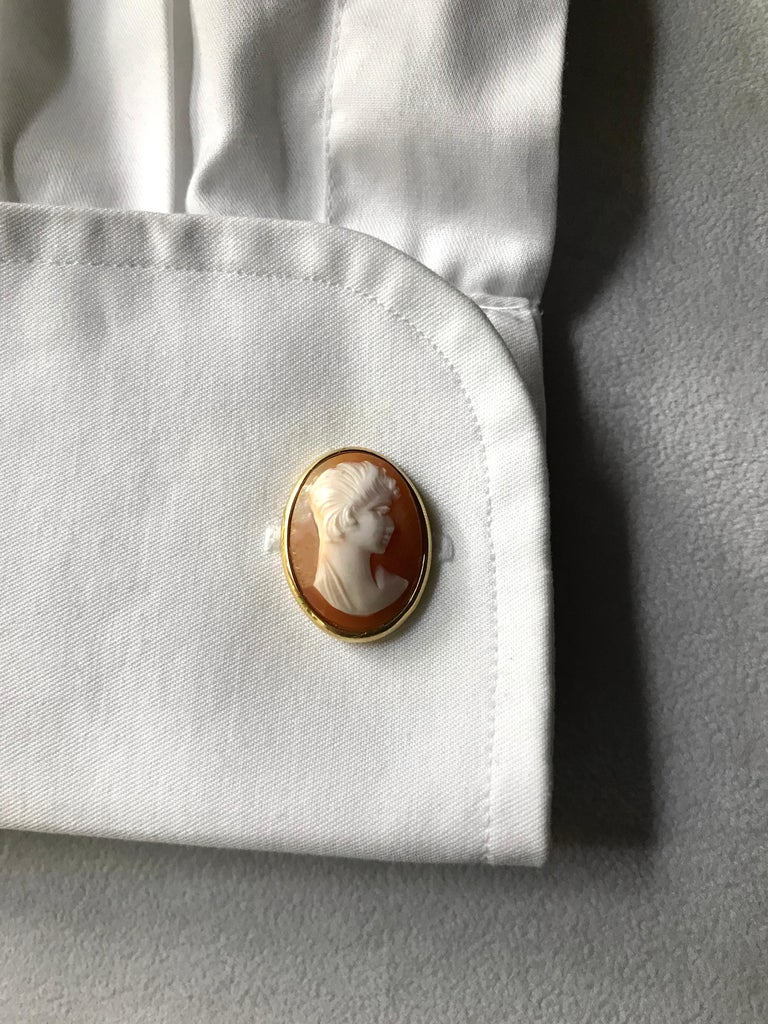 18 Karat Yellow Gold Double Cameo Cufflinks For Sale 4