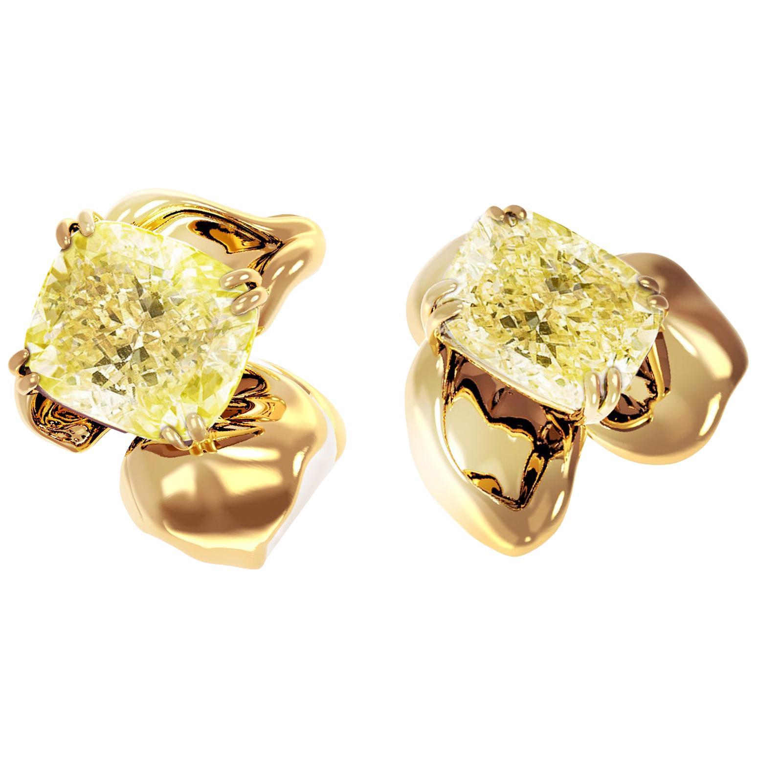 18 Karat Yellow Gold Earrings with 4 Carat GIA Certified Fancy Yellow Diamonds