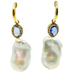 18 Karat Yellow Gold earrings with Baroque Pearls, Sapphires and Diamonds