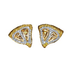 18 Karat Yellow Gold Earrings with Diamonds and Yellow Sapphires