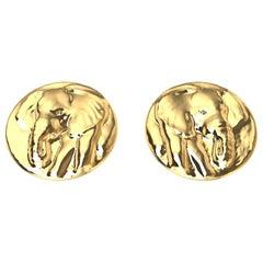 18 Karat Yellow Gold Elephant Stud Earrings