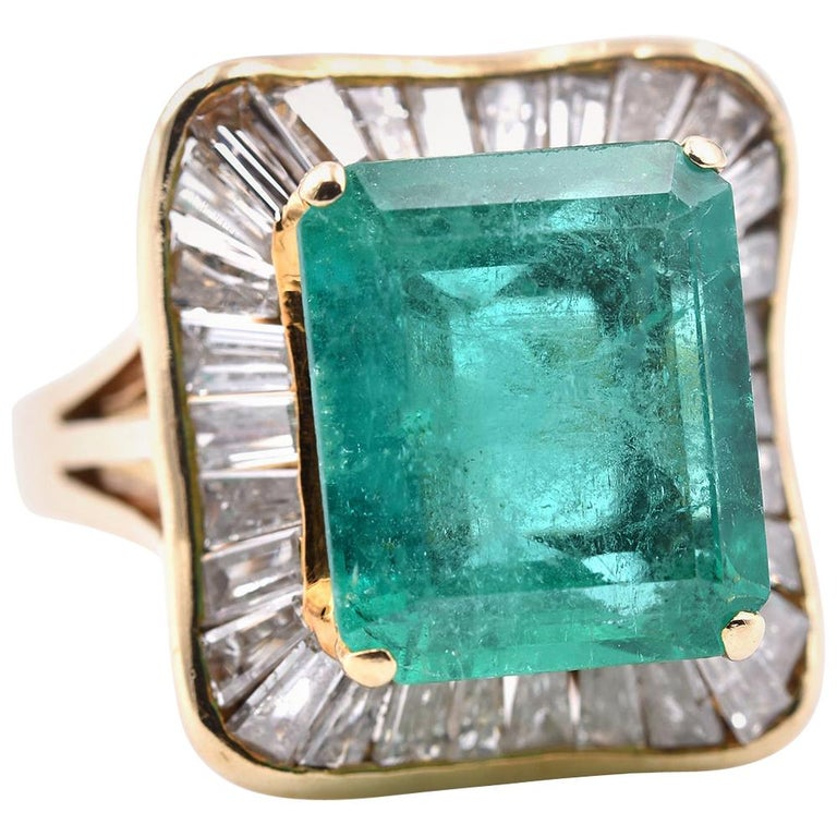 18 Karat Yellow Gold Emerald and Diamond Ring For Sale