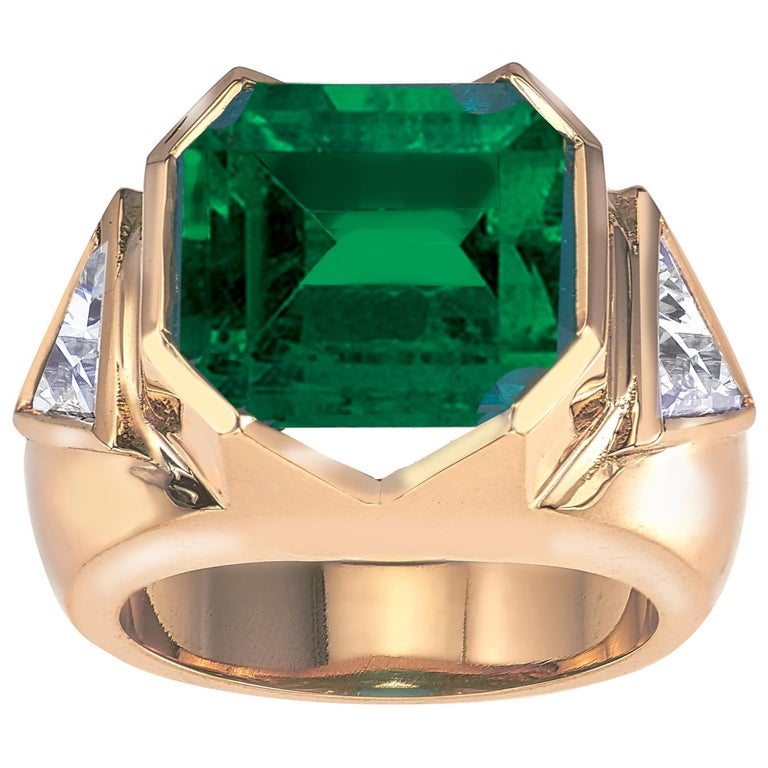 18K Yellow Gold, 8.41 CT Colombian Emerald and Diamond Special Ring For Sale