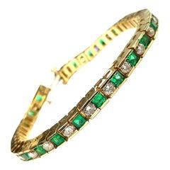 18 Karat Yellow Gold Emerald and Diamonds Tennis Bracelet