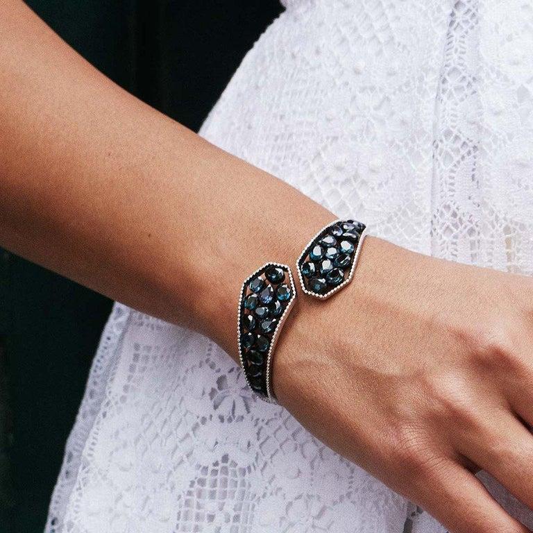18 Karat Yellow Gold Emeralds Tsavorites Bangle Aenea Jewellery For Sale 4