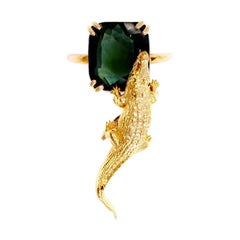 18 Karat Yellow Gold Engagement Fashion Ring with 11.8 Cts. Green Sapphire
