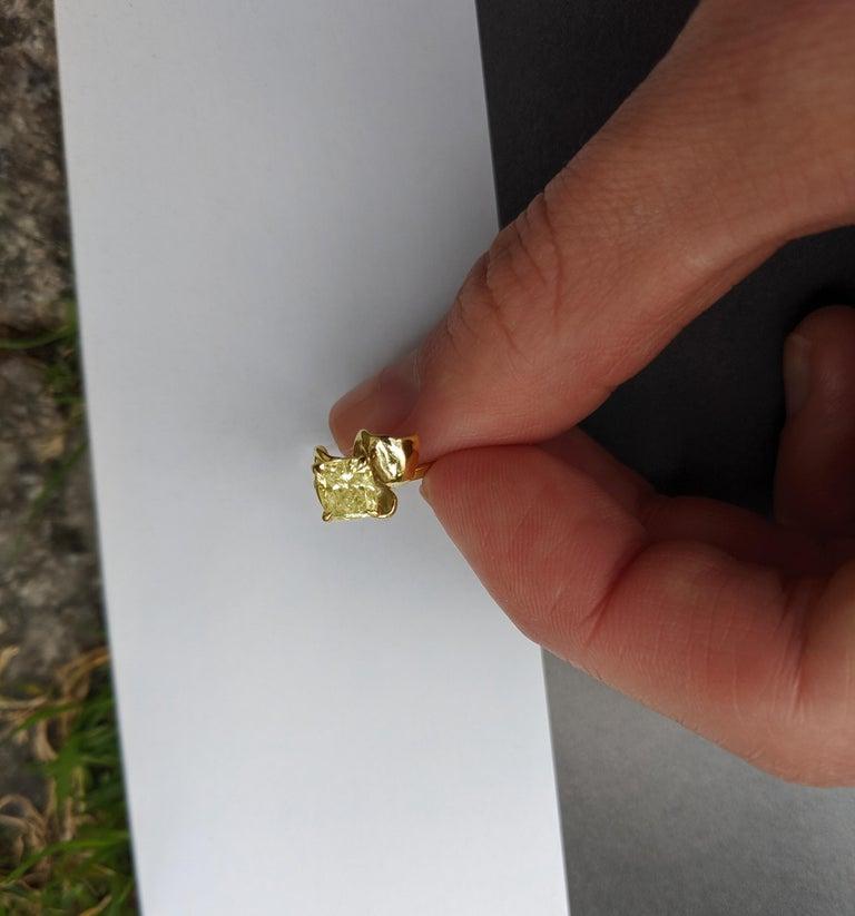 Cushion Cut 18 Karat Yellow Gold Engagement Ring with 1 Carat Yellow Cushion Diamond For Sale