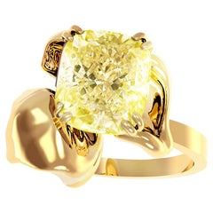 18 Karat Yellow Gold Engagement Ring with 1 Carat Yellow Cushion Diamond
