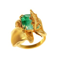 18 Karat Yellow Gold Engagement Ring with 1.73 Carat Cushion Natural Emerald