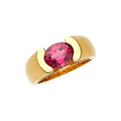 18 Karat Yellow Gold Engagement Ring with 1.73 Carat Pink Tourmaline & Diamonds