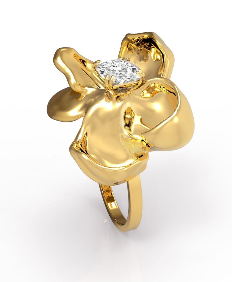 Cushion Cut 18 Karat Yellow Gold Engagement Ring with GIA Certified 2.4 Carat Diamond For Sale