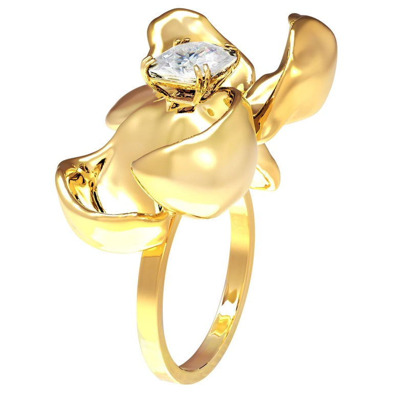 18 Karat Yellow Gold Engagement Ring with GIA Certified 2.4 Carat Diamond For Sale