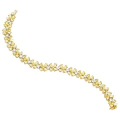 18 Karat Yellow Gold Fancy Yellow Pear Shape Diamond Bracelet