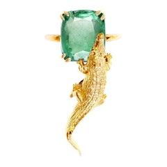 18 Karat Yellow Gold Fashion Ring with 3.48 Carats Emerald