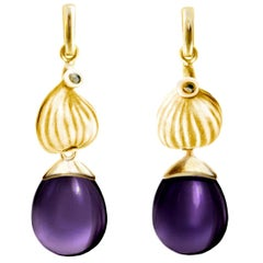 18 Karat Yellow Gold Fig Contemporary Cocktail Drop Earrings with Amethysts