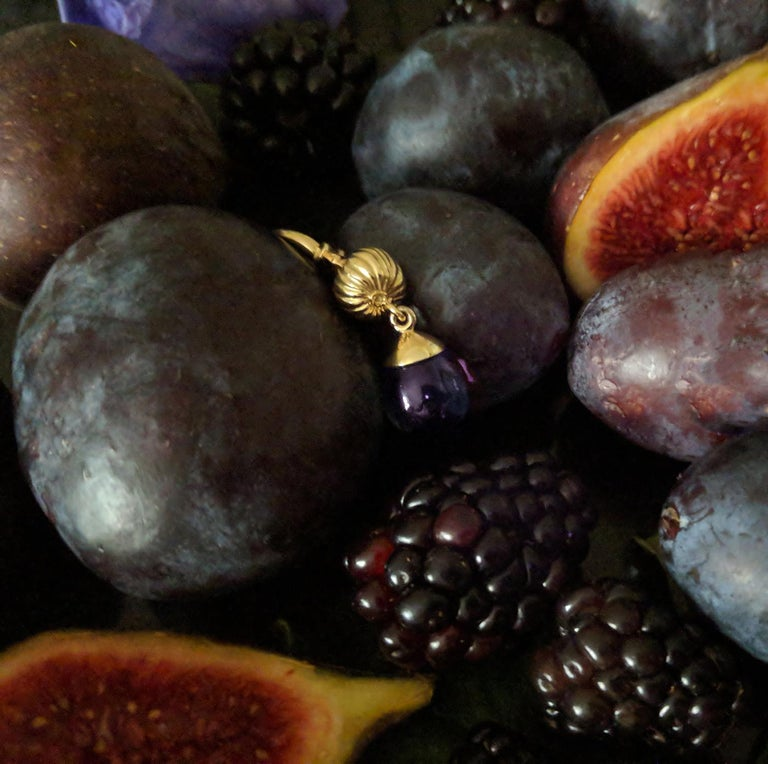 18 Karat Yellow Gold Fig Fruits Cocktail Earrings with Amethysts by the Artist For Sale 1