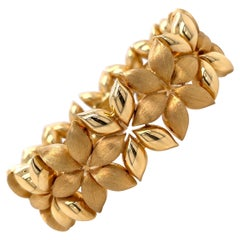 18 Karat Yellow Gold Floral Wide Bracelet 51.2 Grams Made in Italy
