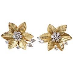 18 Karat Yellow Gold Flower Clip Earrings and 0.5 Carat Diamond Pistil, 1960