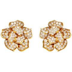 18 Karat Yellow Gold Flower Clip-On Earrings with Diamonds