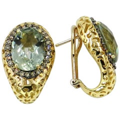 18 Karat Yellow Gold Garavelli Earrings with Brown Diamonds and Praseolite