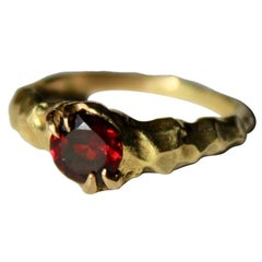 18 Karat Yellow Gold Garnet Solitaire Ring