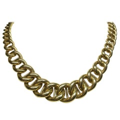 18 Karat Yellow Gold Graduated Curb Link Chain Necklace
