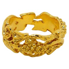 18 Karat Yellow Gold Grapes, Vines, and Leaves Ring