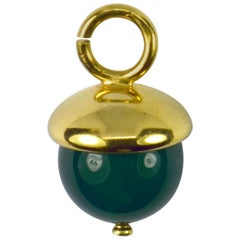 18 Karat Yellow Gold Green Agate Sphere Charm Pendant