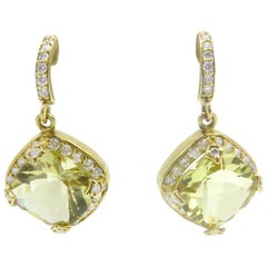 18 Karat Yellow Gold Green Beryl Diamond Dangle Earrings