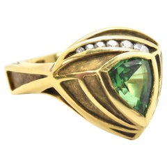 18 Karat Yellow Gold Green Tourmaline and 0.13 Carat Diamond Ring