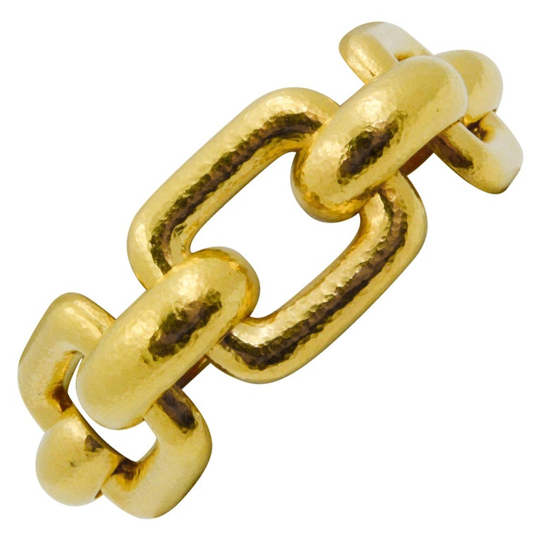 Elizabeth Locke 18 Karat Yellow Gold Hammered  Rectangular Link Bracelet For Sale