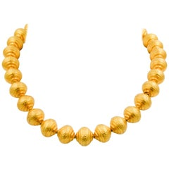18 Karat Yellow Gold Hammered Tapered Gold Ball Necklace