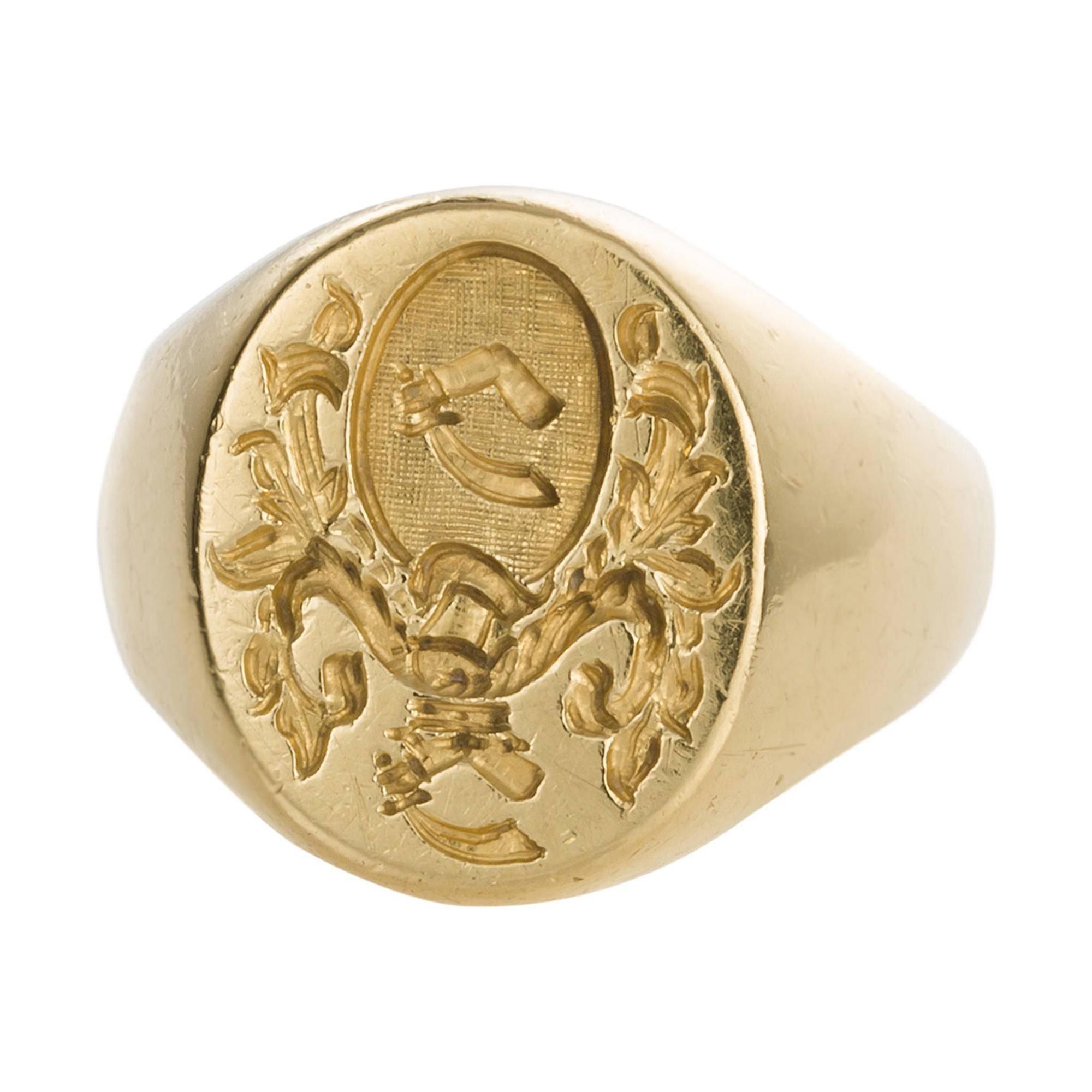 18 Karat Yellow Gold Hand Engraved Crest Unisex Signet Ring