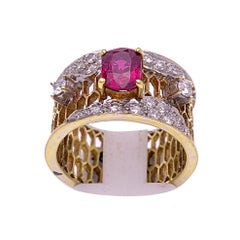 18 Karat Yellow Gold Honeycomb Band Ring with Ruby and Diamonds