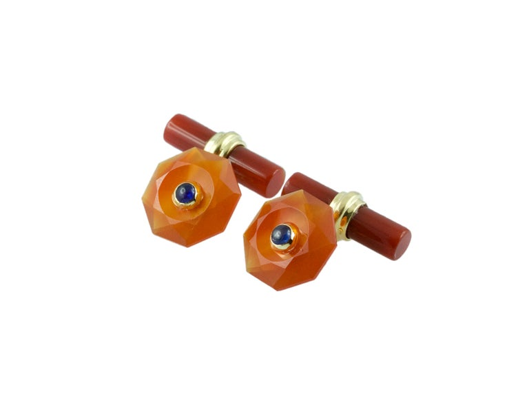 18 Karat Yellow Gold in Carnelian with Sapphires Cufflinks In New Condition For Sale In Milano, IT