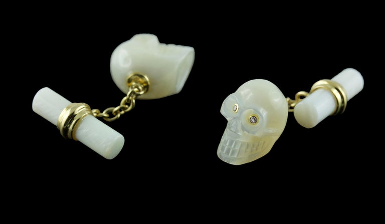 18 Karat Yellow Gold in Mother of Pearl and Diamonds Skull Cufflinks For Sale 1
