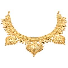 18 Karat Yellow Gold Indian Style Necklace