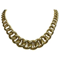 18 Karat Yellow Gold Italian Graduated Curb Link Chain Necklace