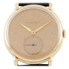 18 Karat Yellow Gold IWC Hand-Winding Watch Calibre 88 1940s with Leather Band