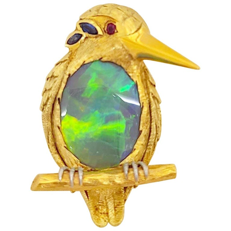 18 Karat Yellow Gold King Puffin Brooch with 12.44 Carat Black Opal Center For Sale