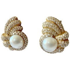 18 Karat Yellow Gold Ladies Clip-On Earrings with South Sea Pearls and Diamonds