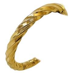 18 Karat Yellow Gold Ladies Fancy Half Spiral Half Ribbed Bangle Bracelet