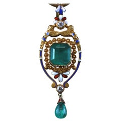 18 Karat Yellow Gold Ladies Necklace with Emerald and Diamond Pendant