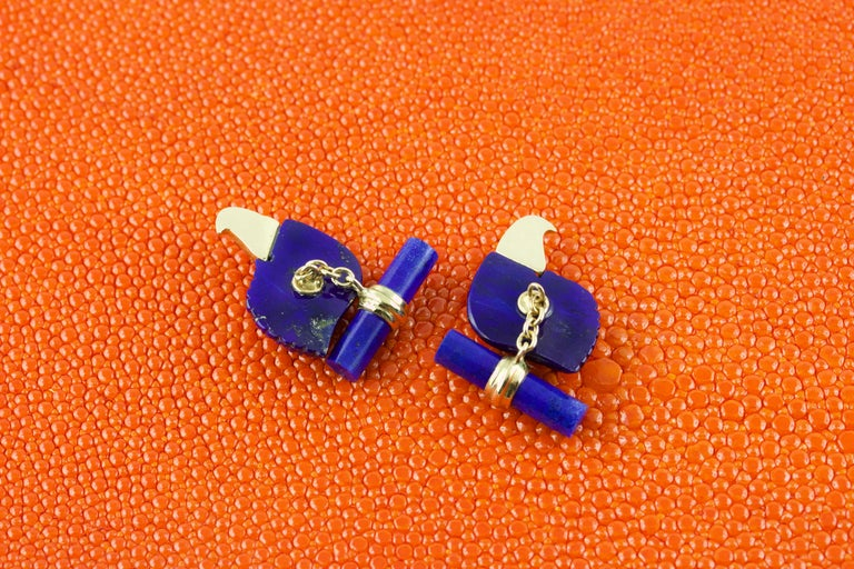 Contemporary 18 Karat Yellow Gold Lapis Lazuli Eagle Diamond Cufflinks For Sale
