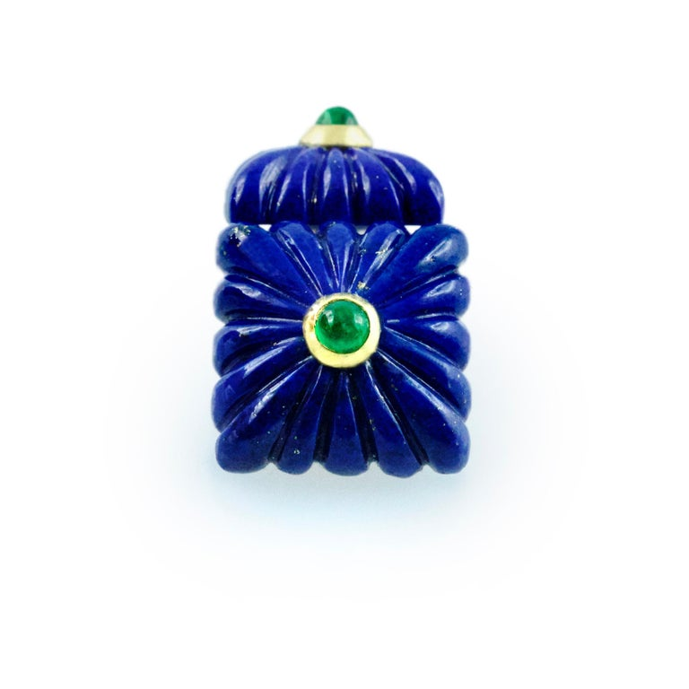 18 Karat Yellow Gold Lapis Lazuli Emeralds Squared Carved Cufflinks For Sale 1