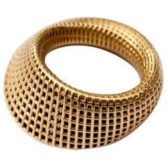 18 Karat Yellow Gold, Large Mobius #2 Ring